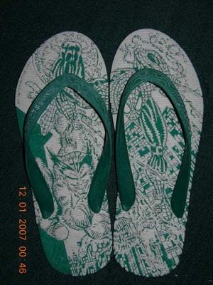 Sandal Jepit artistik.jpg