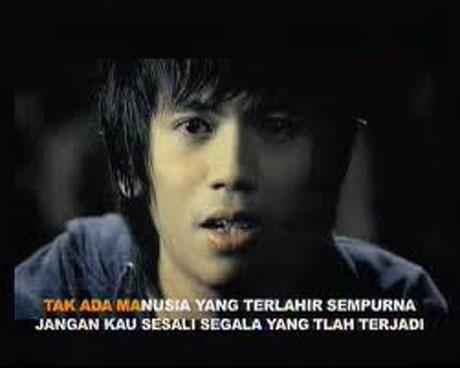 lirik lagu helloween forever and one bahasa indonesia