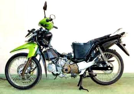 Moped Seharusnya Tanki Bahan Bakar Di Depan Motor Sport Sebaliknya