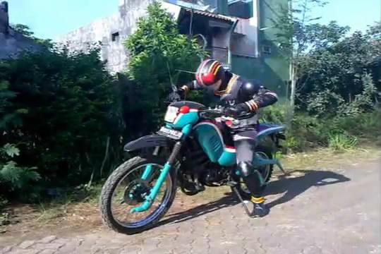 Kamen Rider Black Parody.FLV_snapshot_01.42_[2013.02.16_23.52.50]