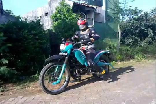 Kamen Rider Black Parody.FLV_snapshot_01.45_[2013.02.16_23.53.22]