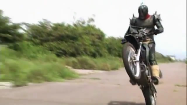 Kamen Rider Kuuga 33 Wheelie