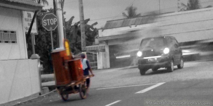 Penjual Almari Keliling