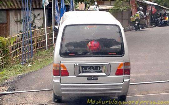 Carry Lampu Kijang Segitiga