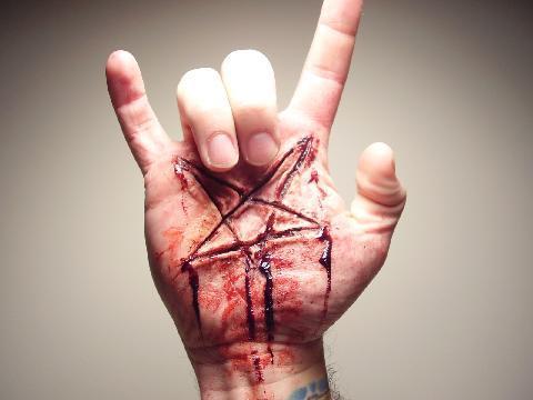 salam tiga jari