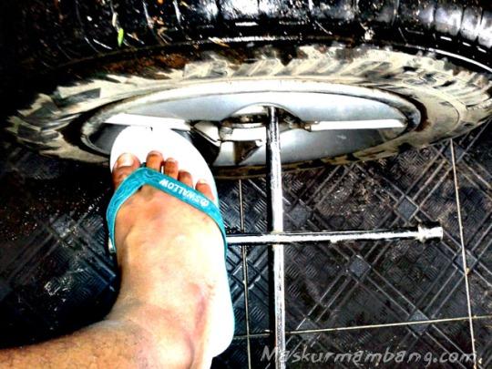 Copot Roda Sandal Jepit