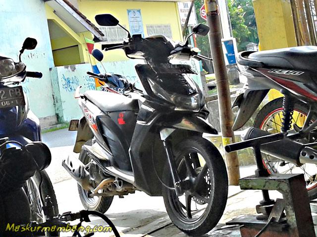 Honda Beat Hitam