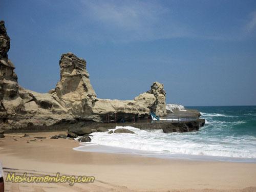 Pantai Klayar Pacitan Suling Laut