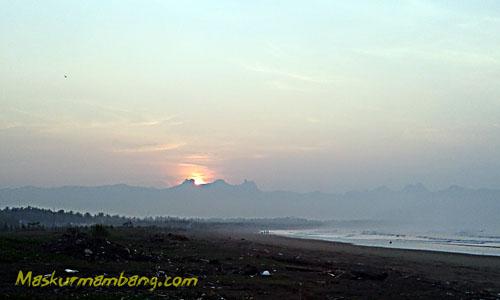 Pantai Teleng Ria Pacitan Sunrise