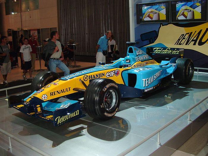 Renault_R25
