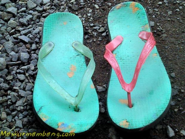 Sandal Jepit Putus 04