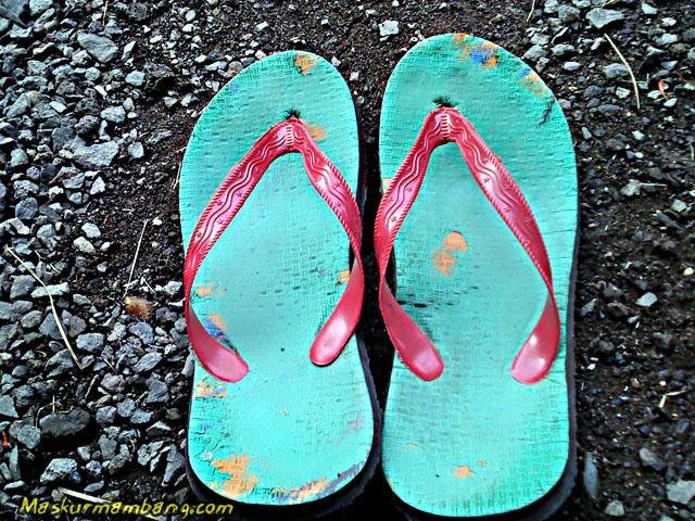 Sandal Jepit Putus 05