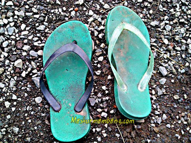 Sandal Jepit Putus 07