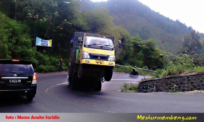 Truck Standing2