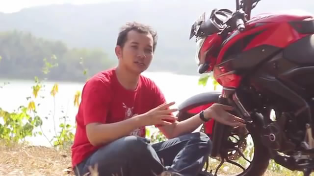 Episode 2 - Review Kawasaki Bajaj Pulsar 200NS 2014 Indonesia by KARS TV1