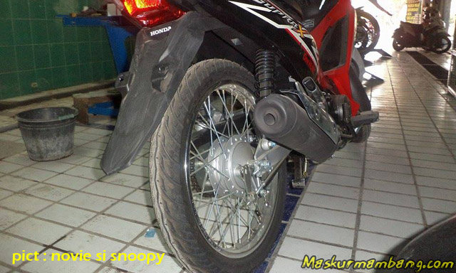 Supra X 125 Fi SW belakang