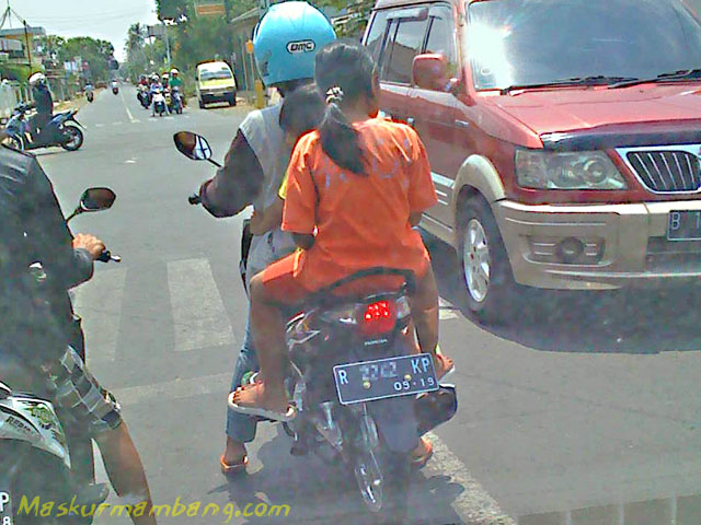 Supra X 125 Fi SW Jalan Sutomo