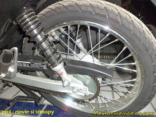 Supra X 125 Fi SW swingarm