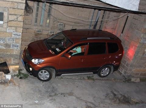 Parkir Di Tempat Sempit (1)