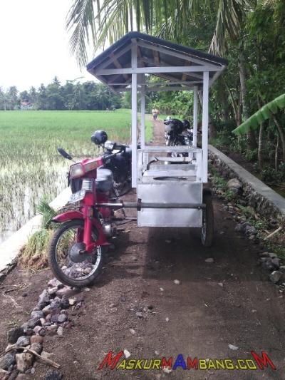 Trike Dengan Gerobak Samping