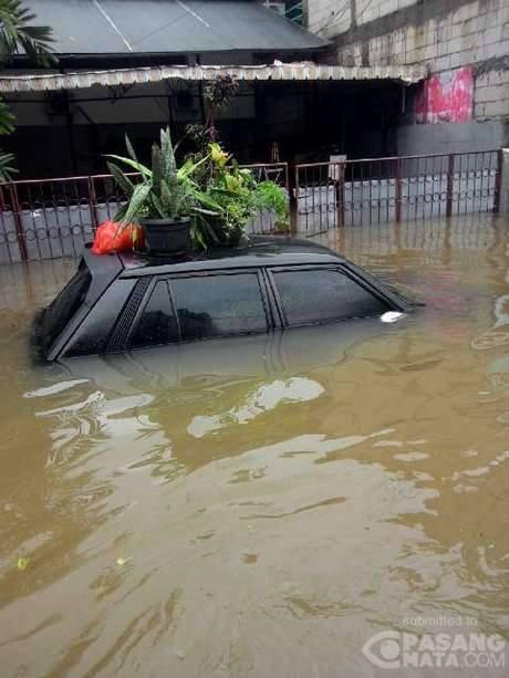 Charade CS kebanjiran