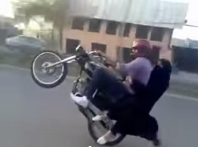 Wheelie Di Jalan2