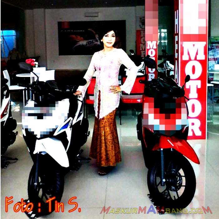 Sales Motor Kebaya