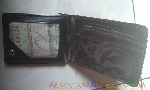 STNK di dompet