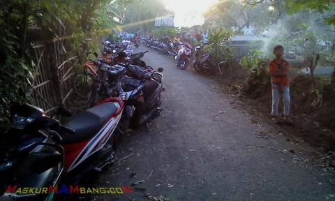 Motor Di Makam 2