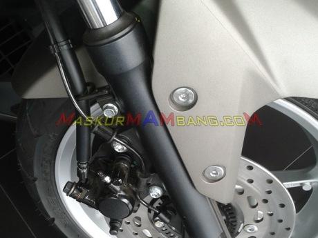 NMAX 02 Kaliper Depan Non-ABS