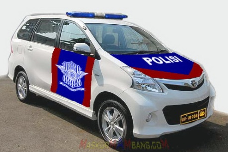 AVANZA POLISI LANTAS