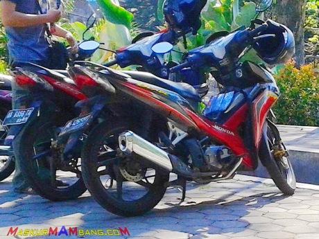 Honda Kembar - Blade 110 Vs Blade 125