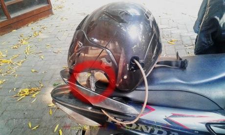 Helm Dikunci Di Motor