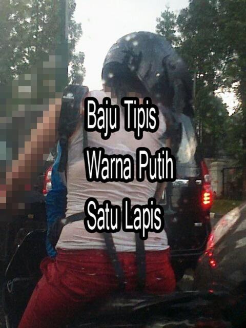 Rider Wanita Di Musim Hujan