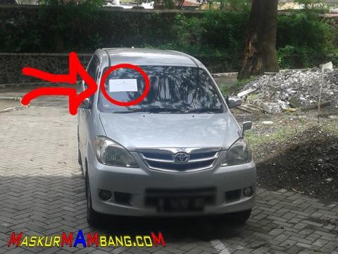 Parkir Sembarangan DI Kompleks UGM 00