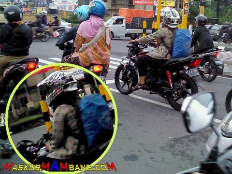 Rider Cewek Naik Verza Helm Offroad2