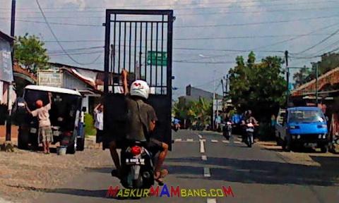 motor bawa pintu pagar