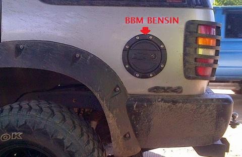 sticker pengingat jenis bahan bakar