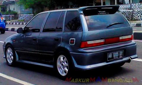 Suzuki Eleny - Jombor close