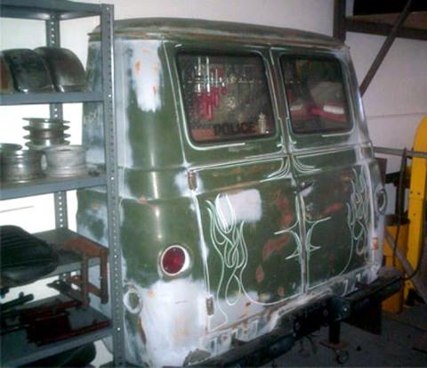 lemari body mobil