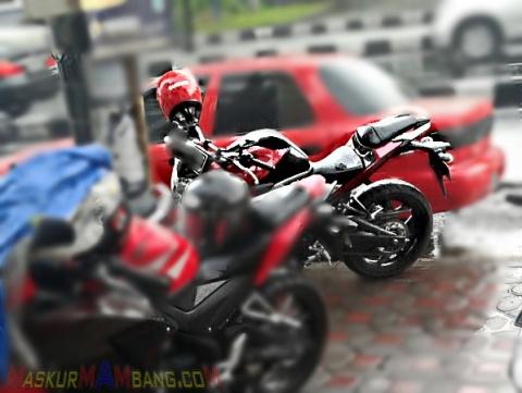 yamaha mt25 merah